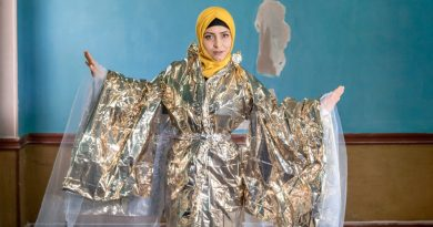 Striking portraits celebrate individuality of refugee women   Refugees