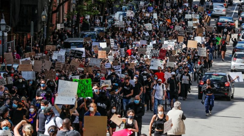 George Floyd: Curfews extended as US protests spread - Live | USA News