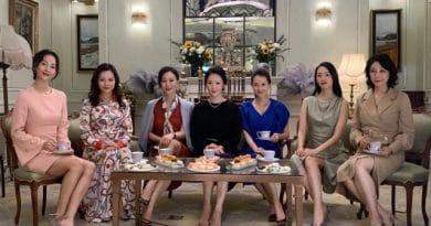 Decoding the Chinese Tai-tai Style – WWD