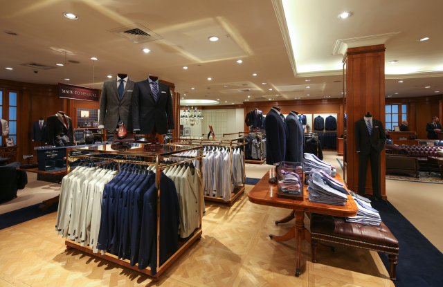 Brooks Brothers to Proceed With $325M Sale to SPARC Group – WWD