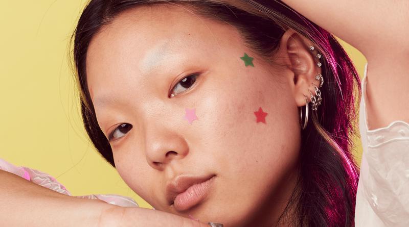 The zit sticker war – Glossy