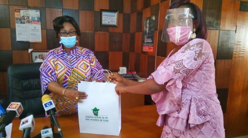 Outstanding Honesty: Gov. Ugwuanyi rewards woman who returned N13.9m