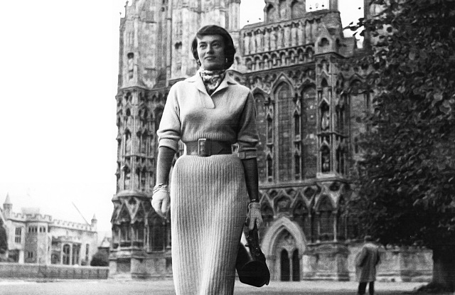 Progressive Mademoiselle Editor Edith Raymond Locke Dies at 99 – WWD