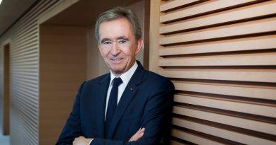 Bernard Arnault Buys Influence Through Media Deals in France | News & Analysis