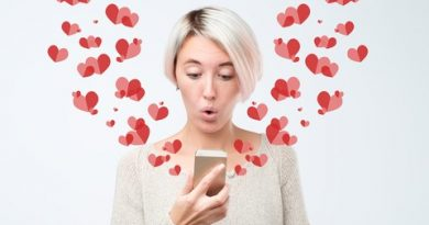 What to Text a Guy to Get His Attention